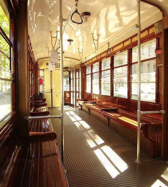tram-2384693_960_720